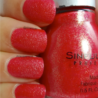 Sinful Colors Crystal Crushes- Ruby Mine & Emerald Envy Swatches